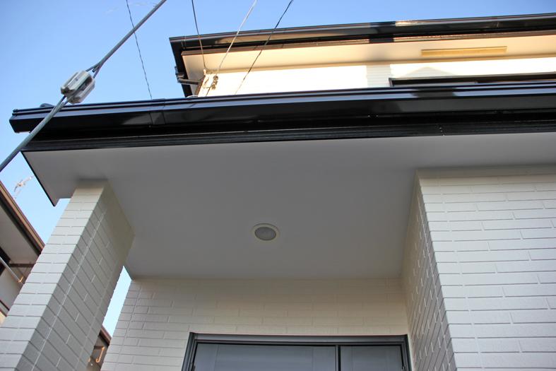 屋根塗装(遮熱)と外壁塗装、ベランダFRP防水