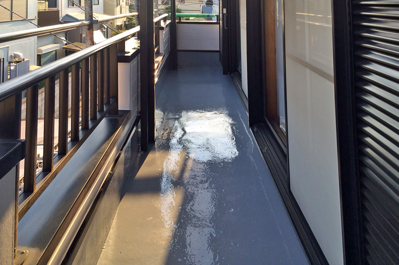 ベランダ防水工事-モルタル防水をウレタン防水にリフォーム