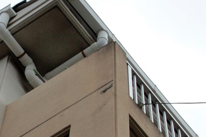 マンション外壁の爆裂補修