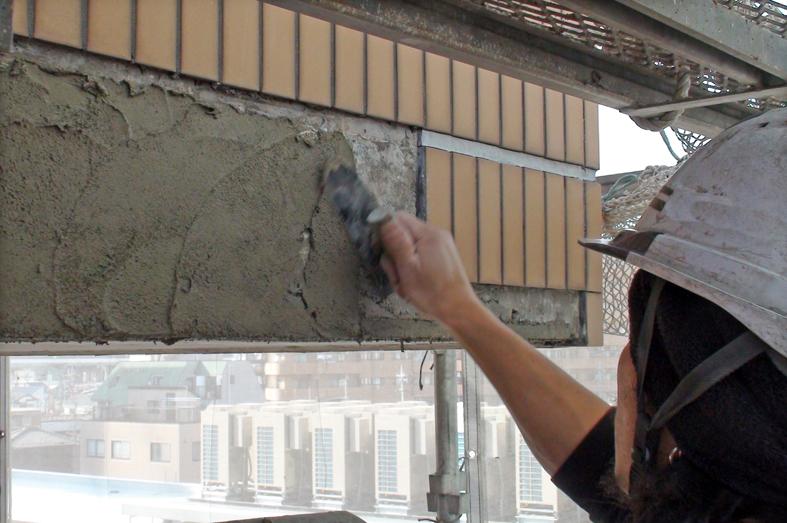 タイル外壁の爆裂補修