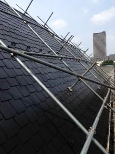 さいたま市中央区(屋根塗装、外壁塗装、ベランダ防水工事)で急勾配屋根塗装