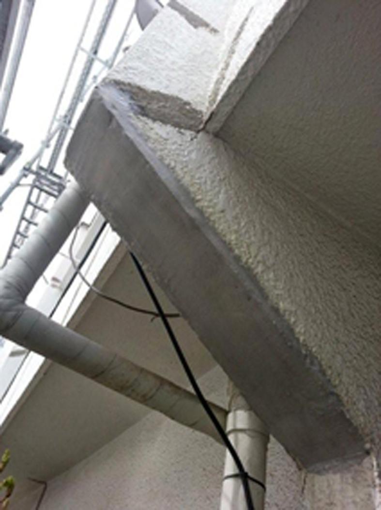 爆裂補修-テラスハウスのうだつ部分