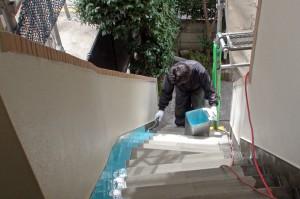 階段ウレタン塗布-さいたま市、マンション大規模修繕工事