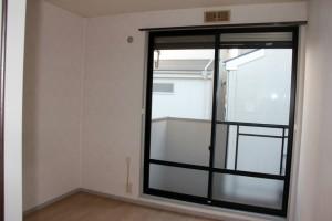 アパート室内の壁クロスの見積依頼-さいたま市浦和区Eアパート