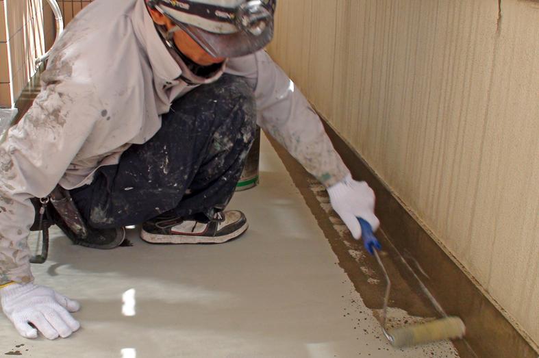 マンションのベランダ床ウレタン防水