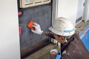 メーターボックスや鉄扉の塗装-さいたま市北区、Fマンション塗装工事