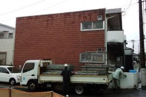 屋根塗装、外壁塗装が着工-さいたま市北区、Kアパート