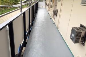 ベランダ防水塗装、通路の防塵塗装が完了-さいたま市北区、Kアパート