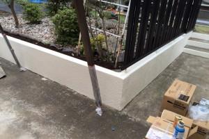 塀の塗装と、既存コーキングの撤去-さいたま市南区H様邸(外壁塗装、ベランダ防水塗装)