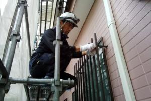 塗装の補修完了、コーキングの養生撤去-さいたま市南区H様邸(外壁塗装、ベランダ防水塗装)