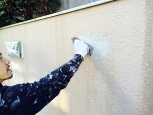 外壁塗装の中塗、上塗-さいたま市南区H様邸