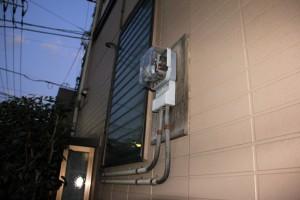 電気メーター取付板、外壁への取付完了-さいたま市南区H様邸