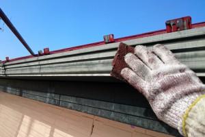 屋根の上塗完了、破風・鼻隠と樋の塗装-さいたま市見沼区Y様(屋根塗装、外壁塗装、ベランダ防水塗装、コーキング打替)
