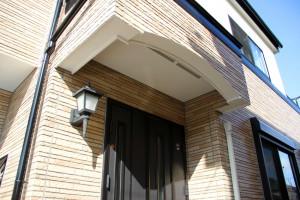 さいたま市中央区のSA様へ屋根塗装と外壁塗装の保証書をお届け
