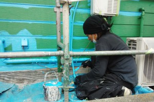 さいたま市北区でカーショップの外壁塗装の続き
