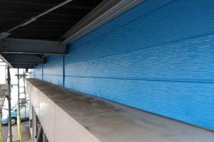さいたま市北区でカーショップの外壁塗装は上塗まで完了