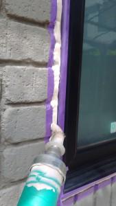 さいたま市見沼区のSA様邸で外壁塗装の前に窓廻りのコーキング