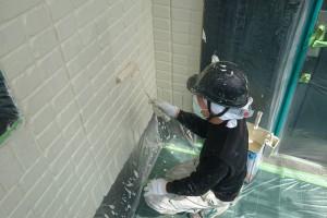 さいたま市見沼区のSA様邸で外壁塗装が上塗まで進捗