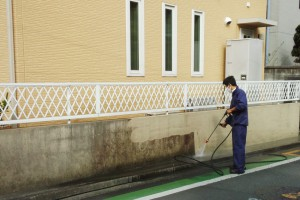さいたま市中央区のW様で塀塗装が着工