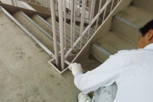 さいたま市大宮区のSマンションで階段の部分塗装
