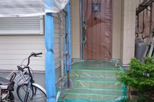 上尾市のH様邸で外壁塗装のための養生