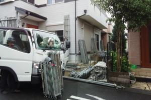 さいたま市緑区のS様邸で外壁塗装と屋根塗装工事が着工
