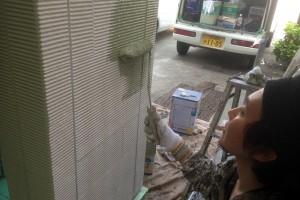 蓮田市のK様邸で外壁塗装の塗潰し面が完了