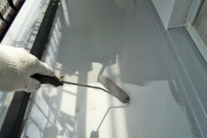 さいたま市北区の賃貸マンションでベランダ防水工事が進行中
