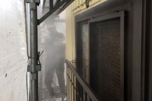 さいたま市西区、S様の複合ビルで外壁塗装のための高圧洗浄