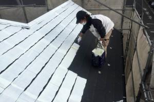 さいたま市緑区のS様邸で2階部分の外壁のコーキングと屋根塗装