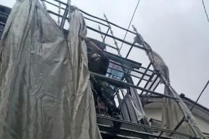 さいたま市南区のY様邸で外壁塗装の足場ネットたたみ
