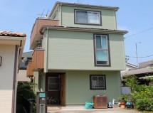 蓮田市で屋根塗装、外壁塗装(ツートンカラー)、コーキング打替の施工例です。
