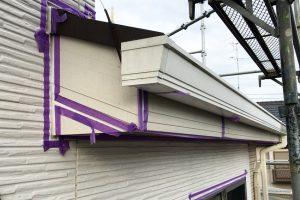 さいたま市大宮区、N様邸の屋根塗装と外壁塗装はコーキング準備