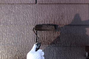 さいたま市大宮区、N様邸で屋根塗装が完了し外壁の駄目拾い