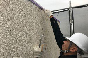 さいたま市北区E様邸の屋上で手摺の上塗が完了