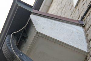 さいたま市大宮区のT様へ屋根塗装と外壁付帯部分塗装の見積説明