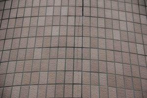さいたま市岩槻区、Y様へ屋根塗装と外壁塗装の見積説明