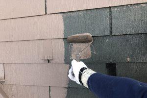さいたま市見沼区、K様邸の屋根塗装は中塗完了
