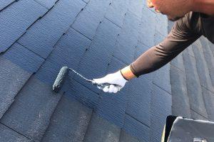 さいたま市西区、N様邸で屋根の中塗が完了