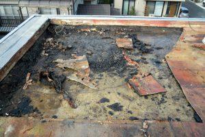 さいたま市北区、Nマンションの防水はシート部分の撤去