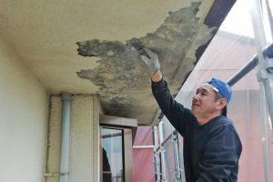 さいたま市見沼区のS様邸で屋根塗装と外壁塗装の準備