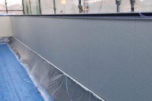 さいたま市緑区、N様邸で外壁塗装は中塗が途中