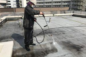さいたま市北区、Sマンションで防水と塗装のための高圧洗浄