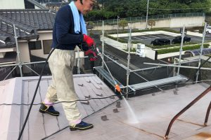 蓮田市のW様邸で屋根塗装と外壁塗装が着工