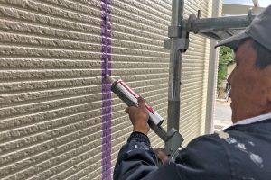 上尾市のN様邸で屋根塗装と外壁付帯部分の塗装