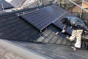 さいたま市岩槻区、I様邸の屋根塗装と外壁塗装は順調なスタート