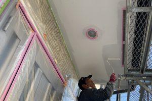 さいたま市大宮区、Y様邸の屋根は中塗、外壁は下塗が完了