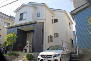 上尾市、I様邸の屋根塗装と外壁塗装が完工
